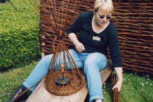 Esmee Hofman Teacher Vlechtwerk - The Green Circle - Workshops in de Natuur Ambacht van Nu