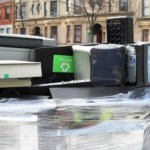 Em NY, jogar eletrônicos no lixo comum é crime