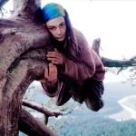 A mulher que viveu 2 anos em uma árvore para salvá-la