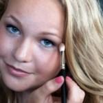 Menina de 16 anos cria linha de cosméticos (não tóxicos) que não testa em animais