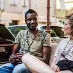 Site coloca refugiados em contato com pessoas dispostas a recebê-los em casa