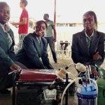 As 4 nigerianas que criaram um gerador de eletricidade movido a xixi