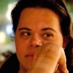 1ª professora com Down do Brasil recebe prêmio nacional de educação