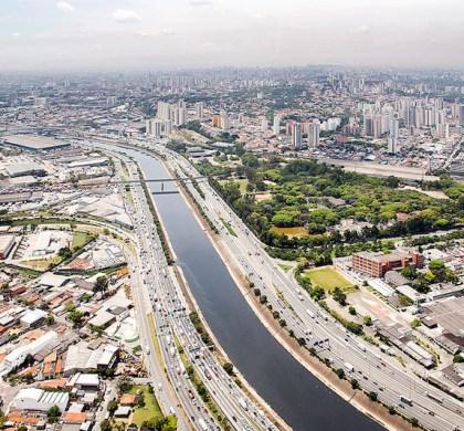 USP testa nanobolhas para combater poluição do Rio Pinheiros, em São Paulo