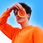 Moda sem crueldade! A nova seda que não maltrata animais em sua produção e é feita com bagaço de laranja