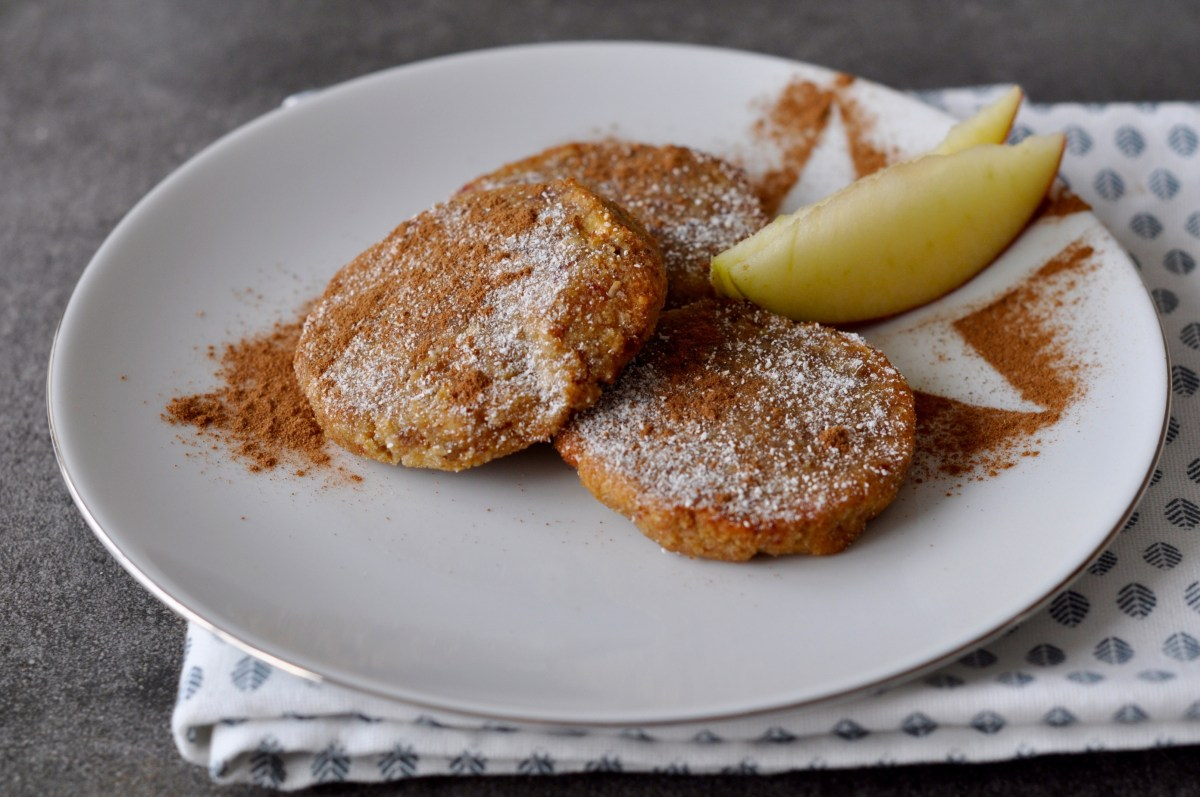 Apple Spice Cookies | Christmas Cravings