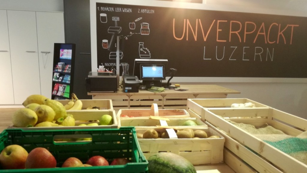 the green walnuts - unverpackt luzern fruit