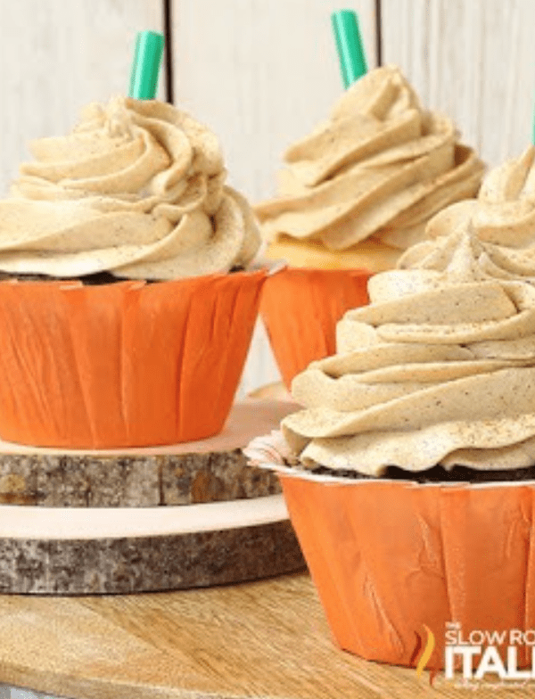 Cover yourself or your cupcakes in this pumpkin latte buttercream frosting asap