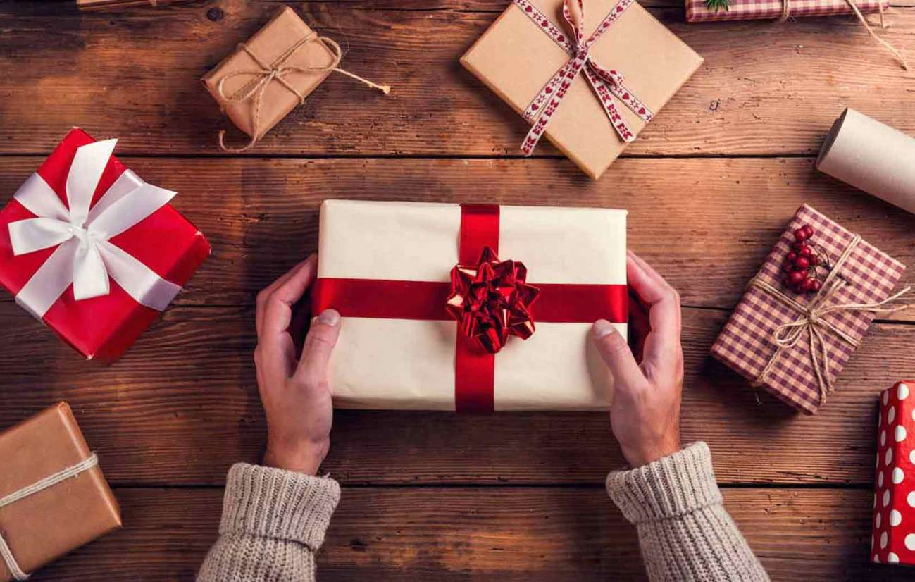 How-Small-Gifts-Can-Be-More-Meaningful-at-Christmas