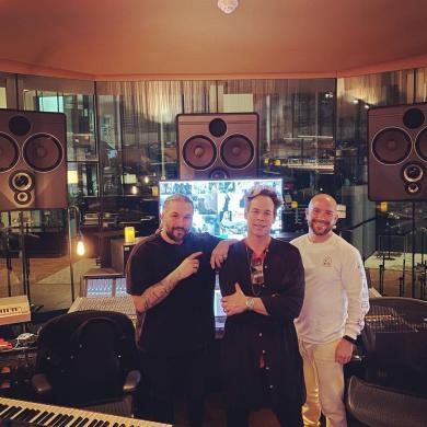 Swedish House Mafia Empire of the Sun