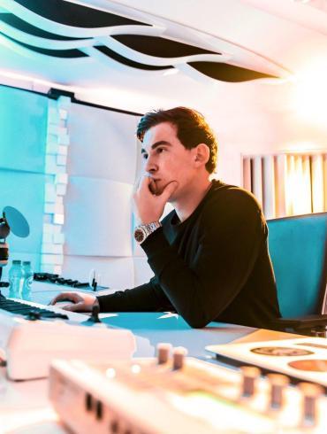 Hardwell in the studio