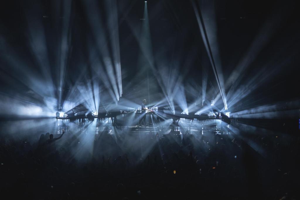 Worakls live on stage