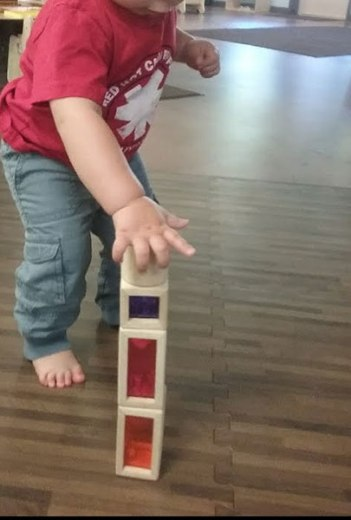 infant_stacking