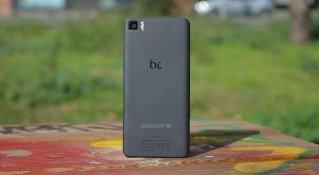bq Aquaris A4.5 Android one trasera