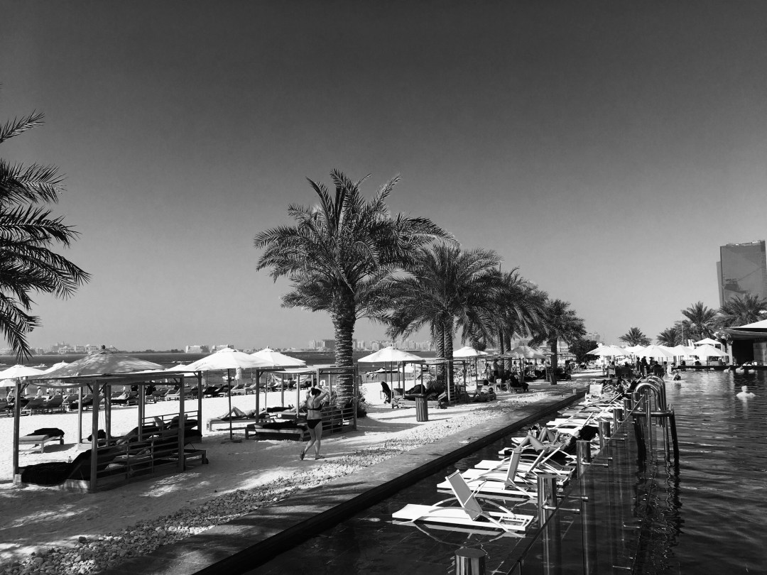 Guide: Dubai Beach Clubs – Privilee