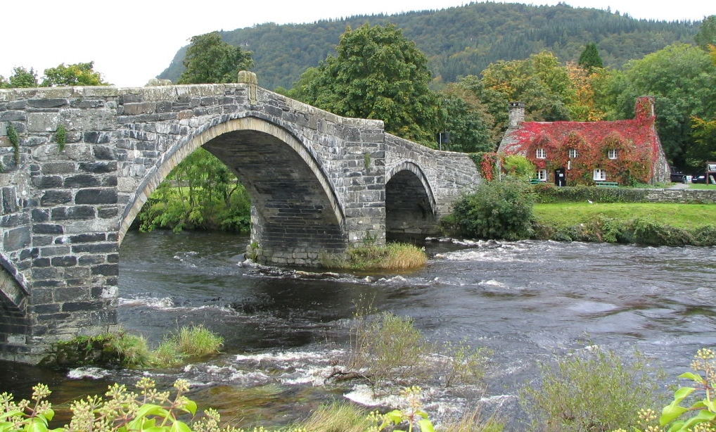 River Conwy at Llanwrst and Tu-Hwnt-y'r-Bont Cafe