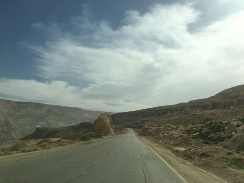 Jordan roads - driving in Jordan