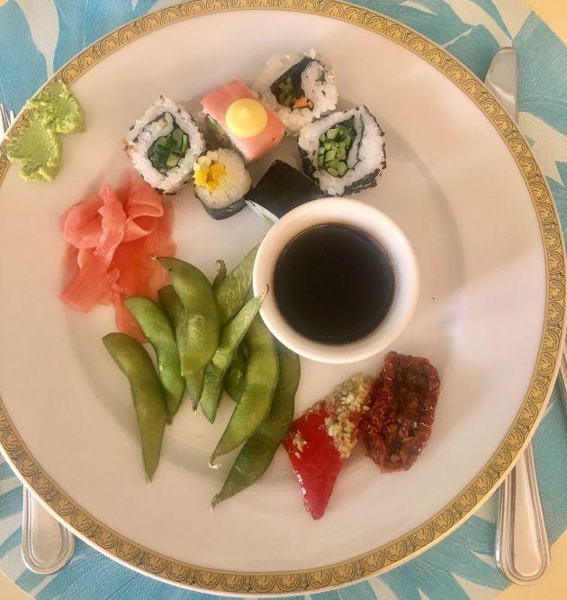 Sushi-plate-Brunch-Giardino-Palazzo-Versace-Dubai