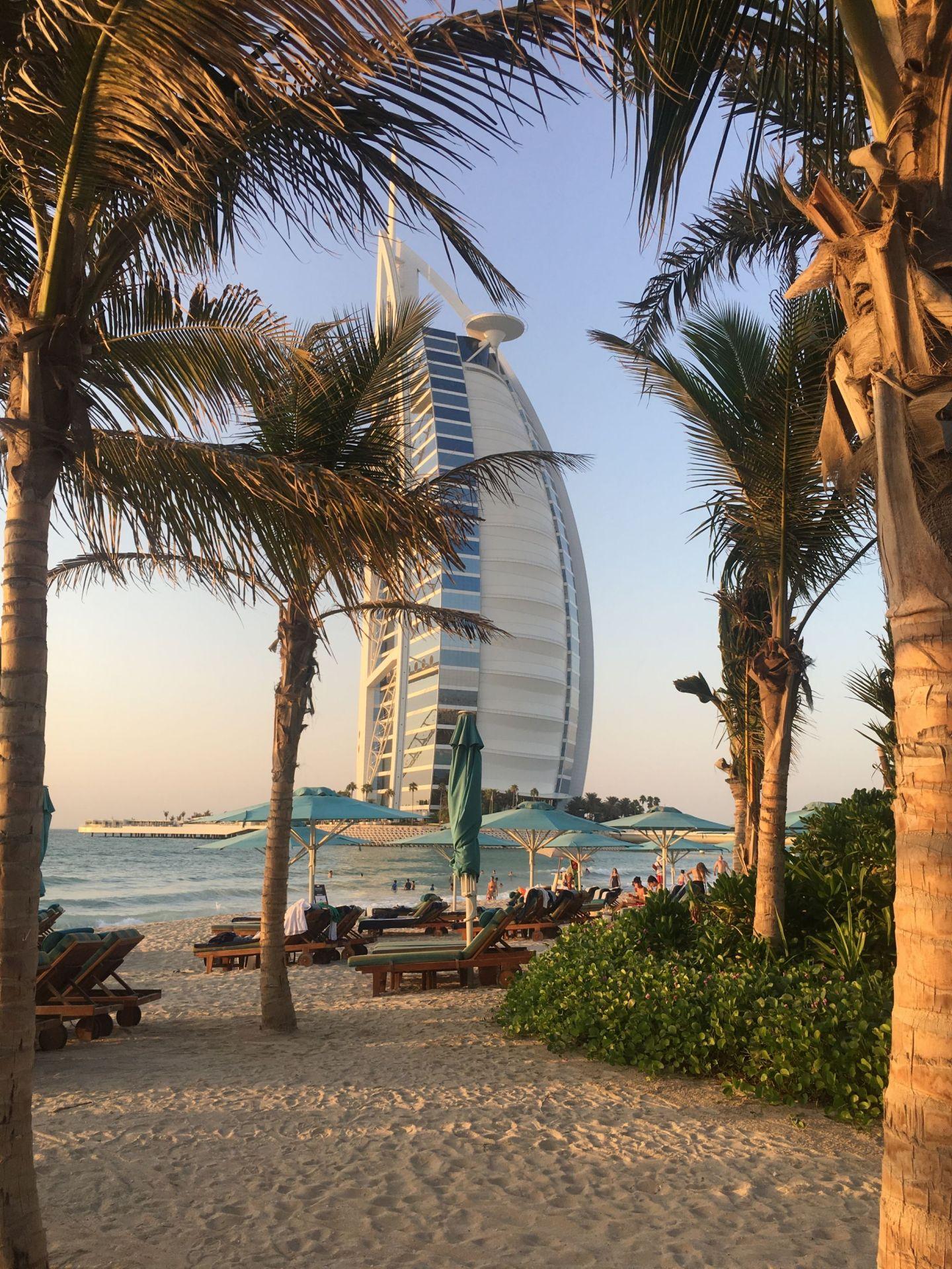 Madinat-Burj-Al-Arab-ViewsMadinat-Burj-Al-Arab-Views