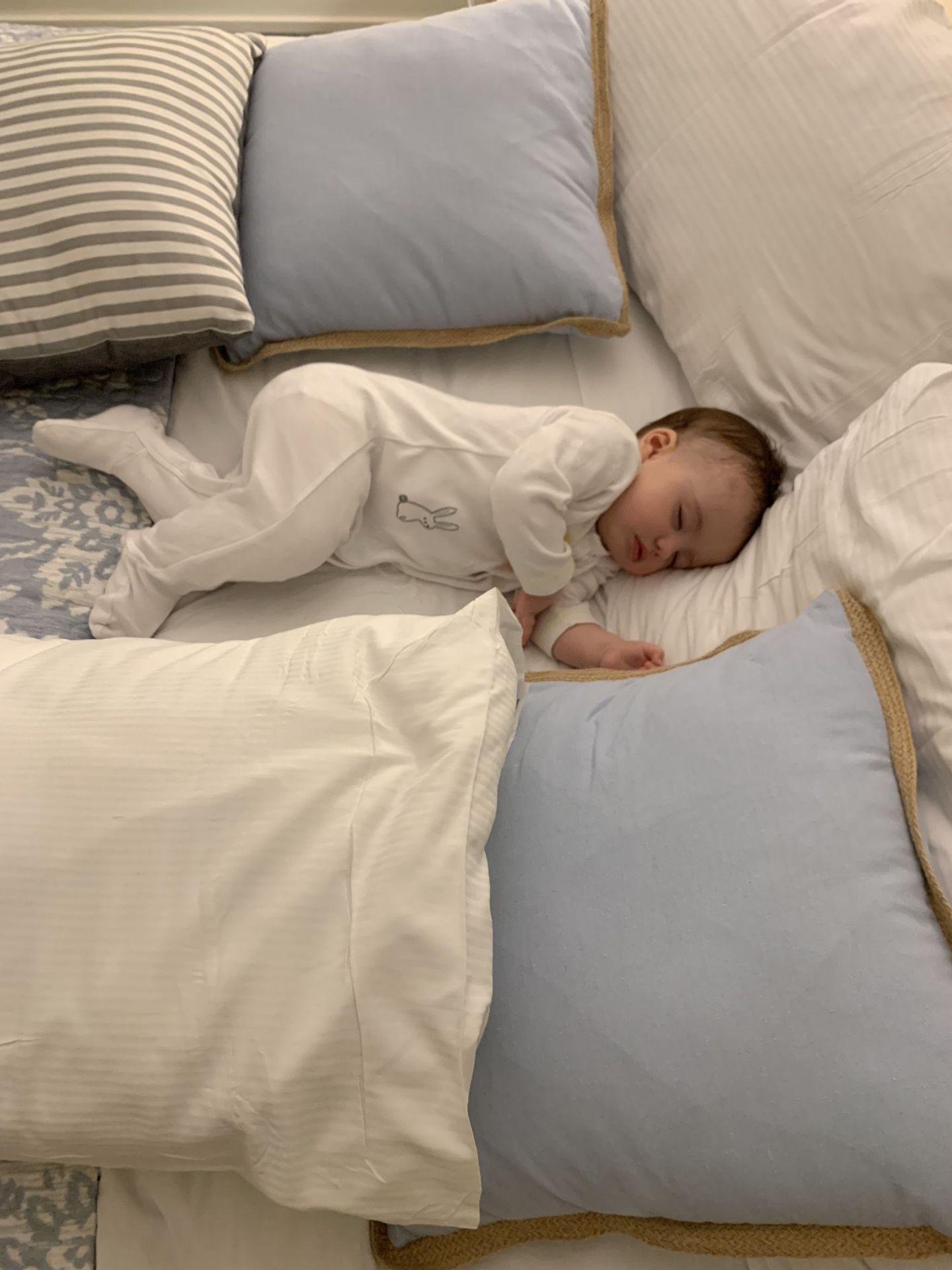 Travel-tips-baby-sleep