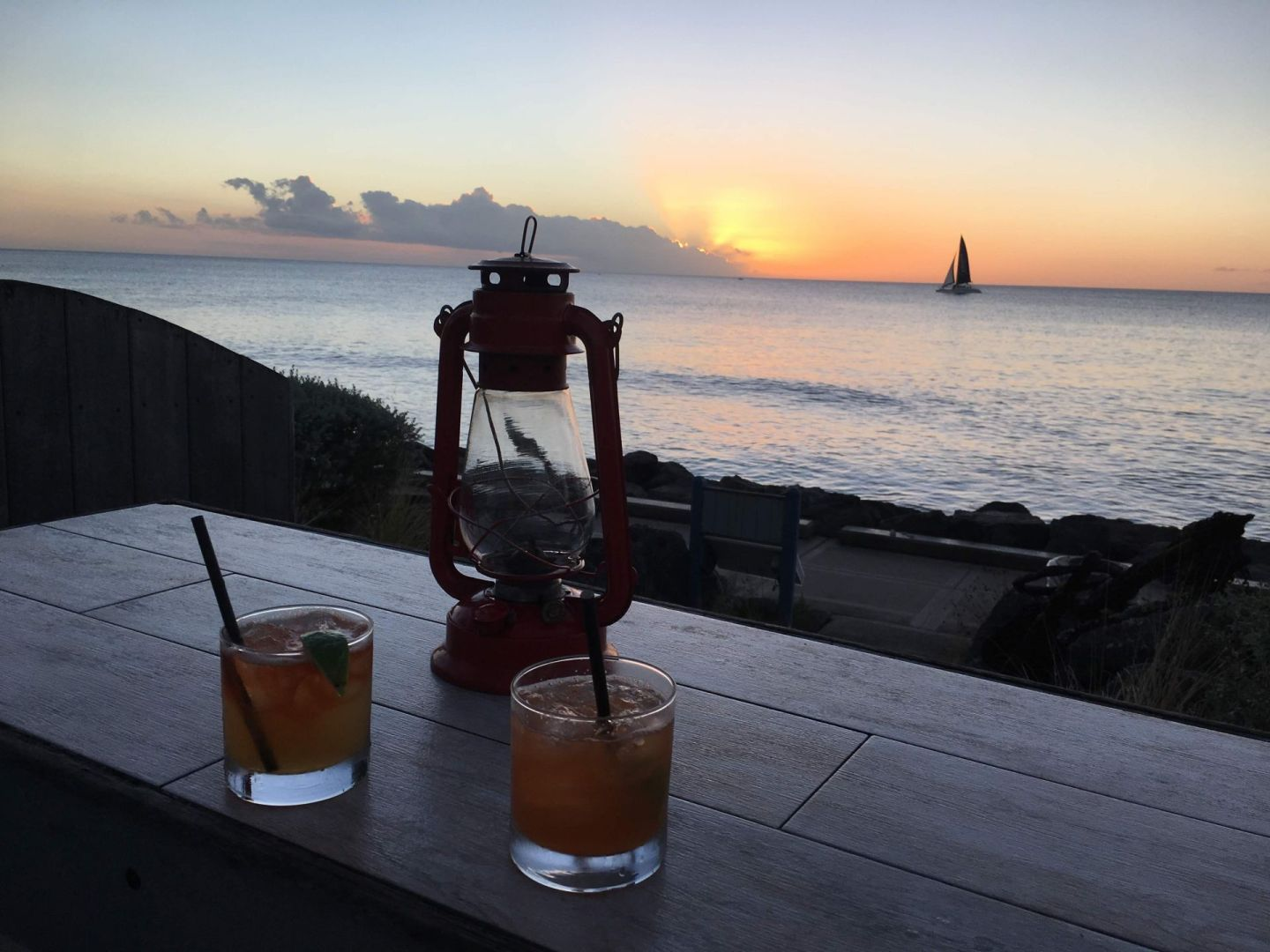 Drift-bar-sunset-Barbados