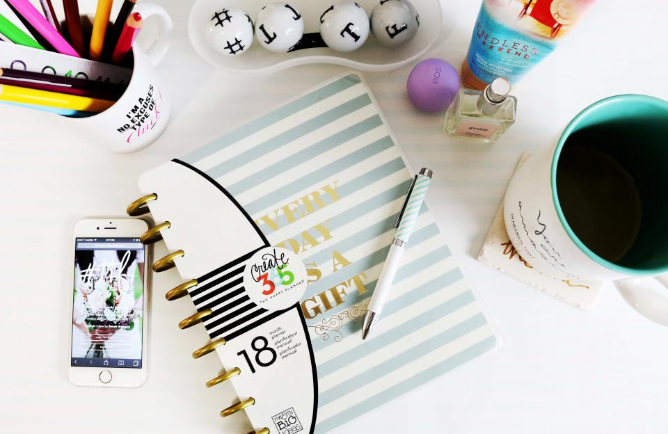 Want to declutter and get organized this year? Try these quick ways to make sure you stay on top of your to-do list.
