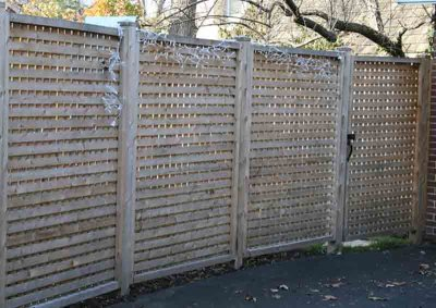 Square Lattice Fence with 1 Inch Opening 1