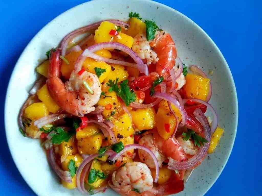 Spicy Prawn Mango Summer Salad by spoonsofflavor.com