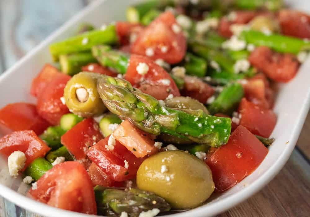 Lemon Asparagus Salad by stuffmattycooks.com