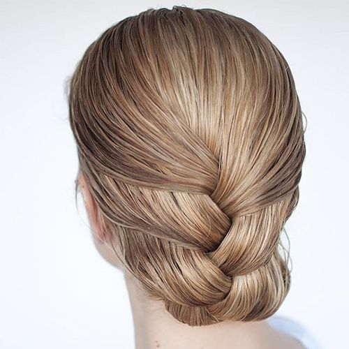 Glorious french <u>easy summer updos for medium hair 2018</u> braid hairstyle