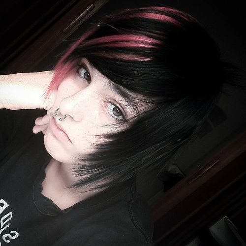 black and red emo hairstyles