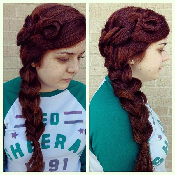 Side braid with twists