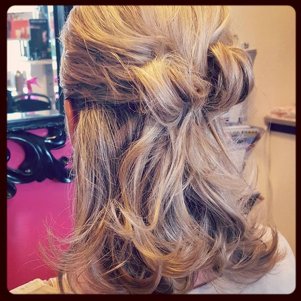 Half-Up Bow-Knot Hair-Do