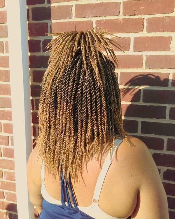Mid-Length Crochet Braids with Quirky Half Pony