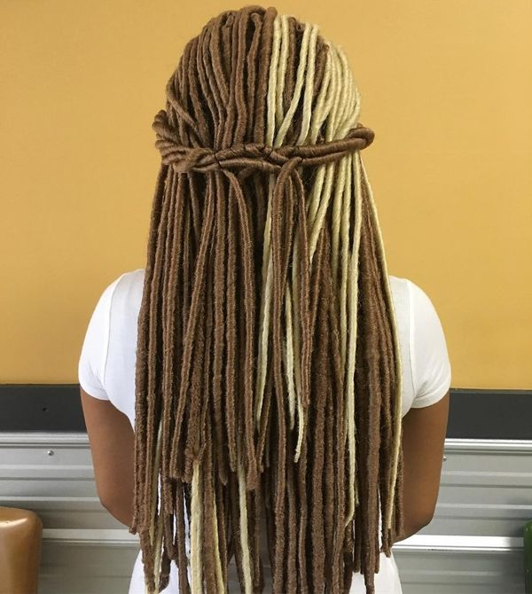 Nice Crochet Hairstyle on Peanut Brown and Blonde Locks