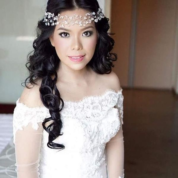 Boho Hairstyles (Perfect For a Wedding) 1