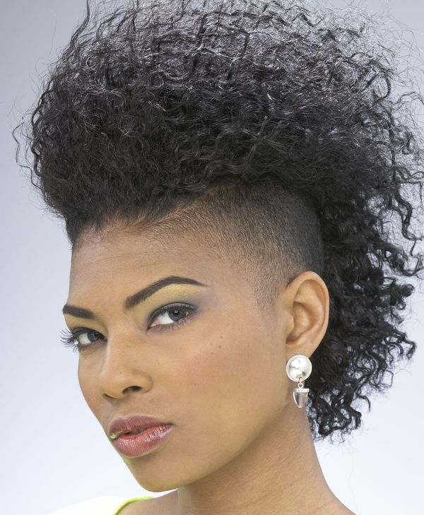 Black Girl Mohawk Hairstyles With Shaved Sides 2