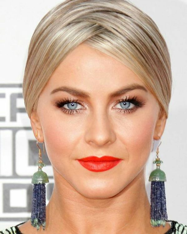 Give These Julianne Hough Updo Styles a Try 1