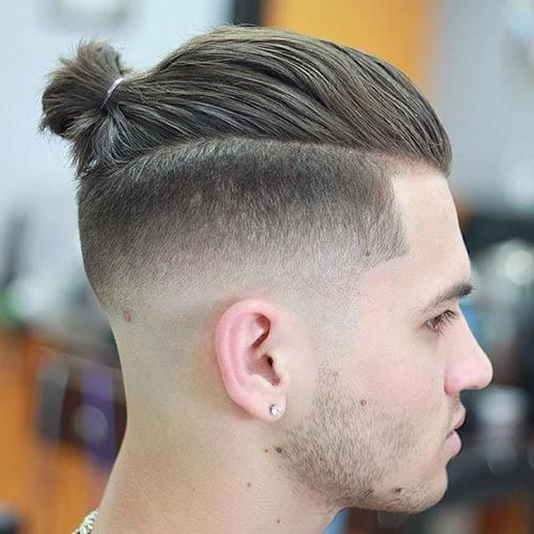 Cool man bun fade haircut 4