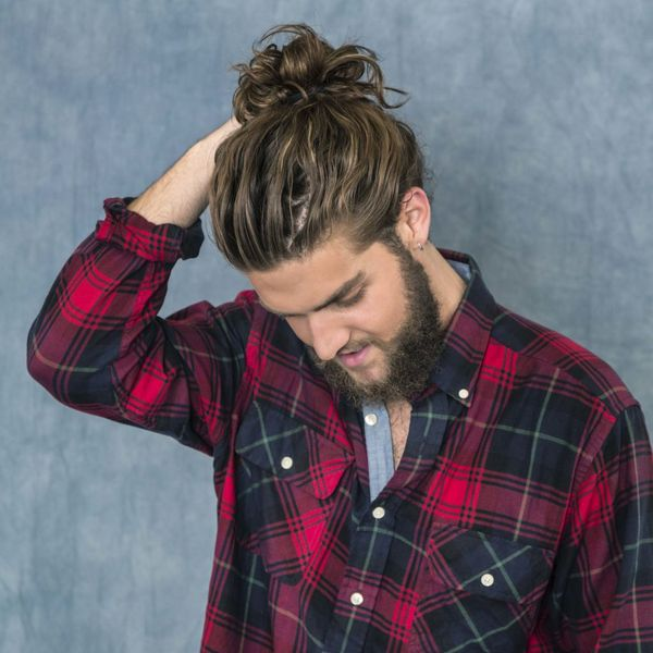 High man bun hairstyles for curly hair 1
