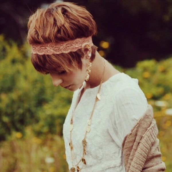 Nice Short Haircuts with an Oblique Fringe2