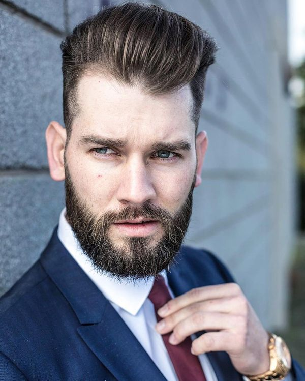 Classy Hairstyles for Men with Medium Hair 4