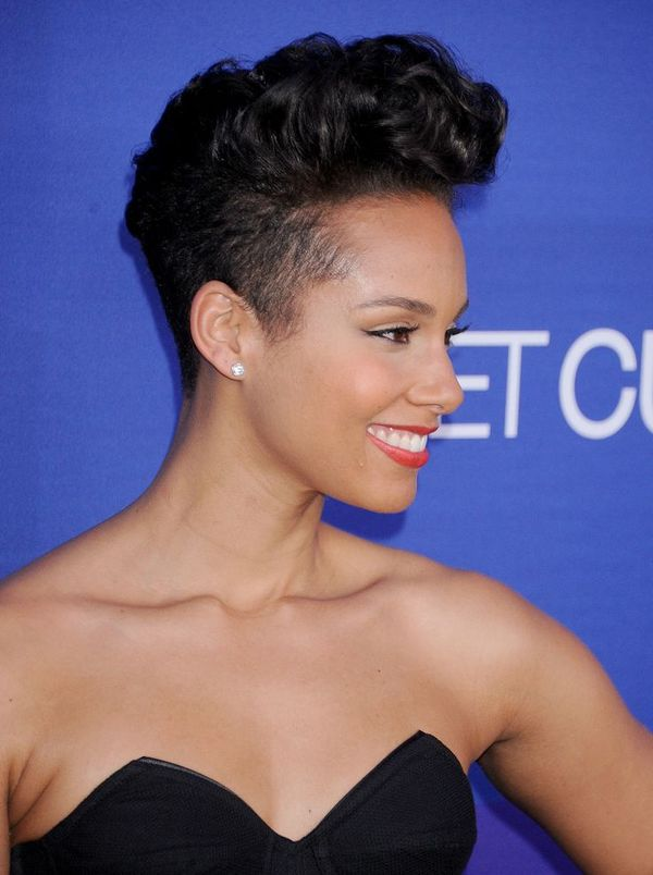 Cool Haircuts with Short Curls for Black Female 2