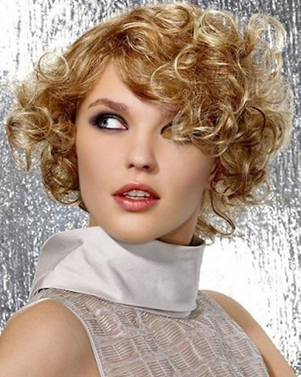 Cute Hairstyles for Ladies with Short Curly Hair 2