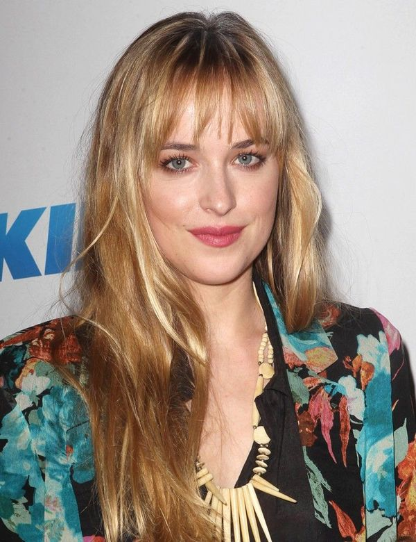 Styles of long blonde hair with layers and bangs 4