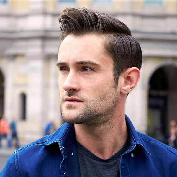 Awesome hairstyle with side parting for guys 1