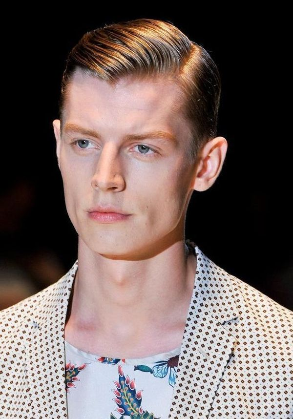 Modern side part hairstyles for men 2