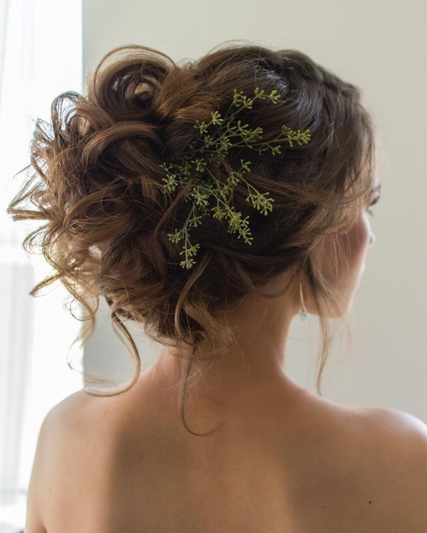 Magnificent Wedding Hairstyles With Flower On Long Hair13