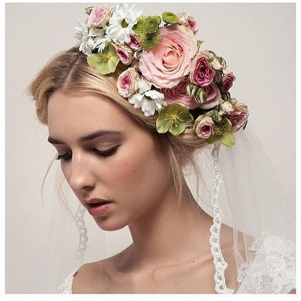 Magnificent Wedding Hairstyles With Flower On Long Hair14