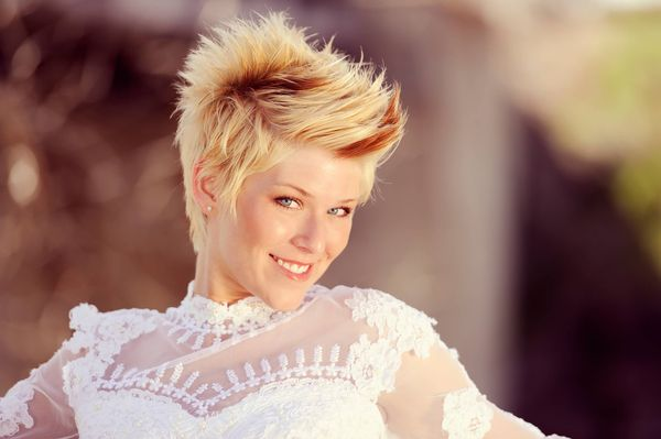 Cool Styles with Short Spiky Hair for Ladies 1